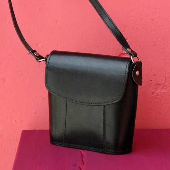 Vintage Black Leather Crossbody Purse Bag Unisex