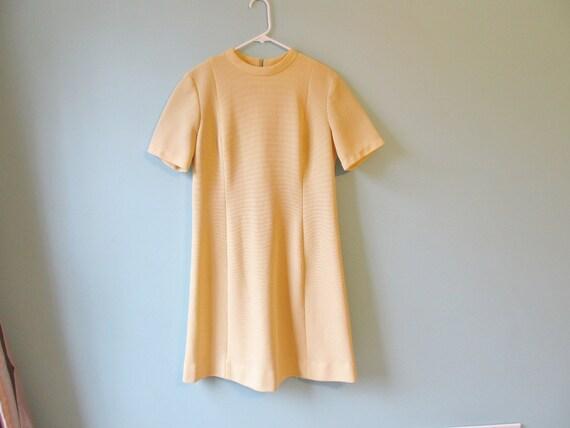 vintage pale yellow wiggle dress large xl