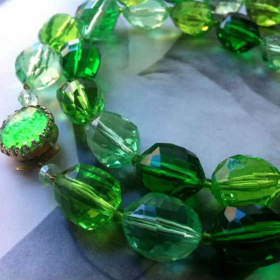 Faceted Emerald Green West German Beaded Necklace