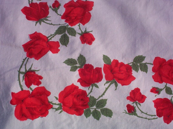 Vintage Red Roses Bordered Tablecloth, Center Bouquet