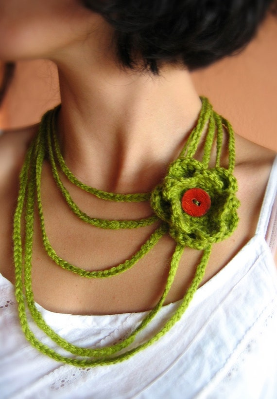 Gentle Green Crochet Necklace with Flower in lime grass green with flower.. button