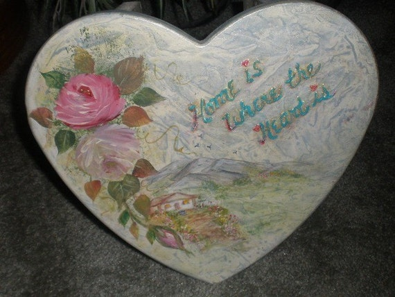 Painted Lil Wooden Heart Stool - quaint Victorian style country scene - flying birds - warmly lit cabin, mountains and trailing large roses