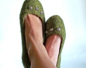 The Ade - Wool Felted Slippers - Womens Size 7 / Youth Size 5.5 - OOAK - Green - Turtle - Silver Beads