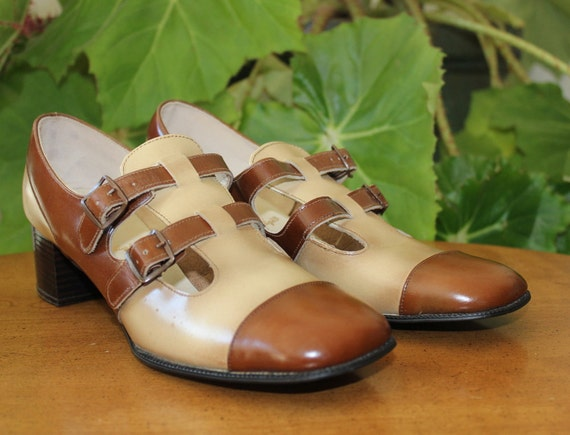 Mid Century Two Toned Buckle Shoes-Size 8B