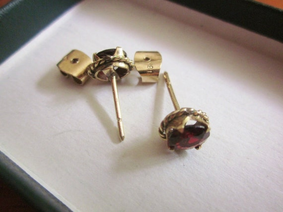 SALE 18K Gold Garnet Stud Earrings Pierced
