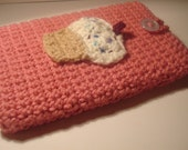 Crocheted Cupcake E-Reader Cozy (Cover for Nook, Kindle)