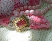 Beautiful Vintage Sparkly  Large  Pink  Set  Brooch  Pin   Rhinestones      Marie  Antoinette