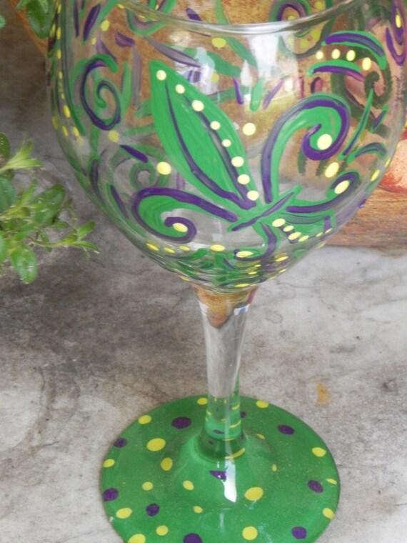 Mardi Gras swirl  fleur de leis Wine Glass