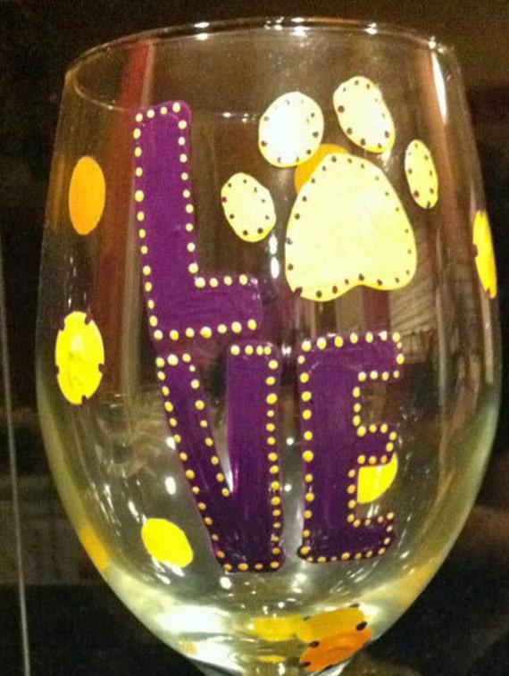 LOVE LSU WINEGLASS