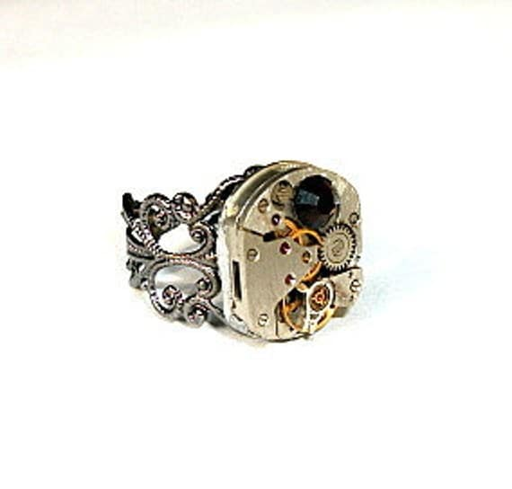 Steampunk ring,Watch movement ring,Vintage watch movement,Adjustable ring,Filagree steampunk ring,great gift for her.