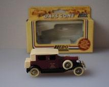 Vintage car - H.M. Queen Elizabeth II, H.R.H Prince Philip - Days Gone By - Lledo