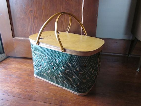Large Green & Brown Woven Picnic Basket