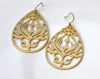 Art Nouveau drop Earrings - Tear drop dangle earrings. 18k gold plated teardrops