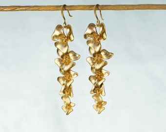 Hibiscus Flower Cascade Earrings in Silver or Gold. Five Dangling Flowers. Bridal Jewelry.