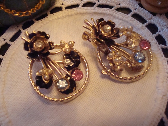 Flower Vintage Scatter Pin Set with Crystals