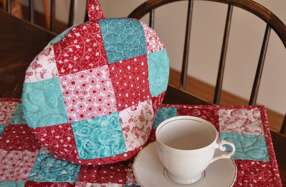 Quilted Tea Cozy Red White Aqua