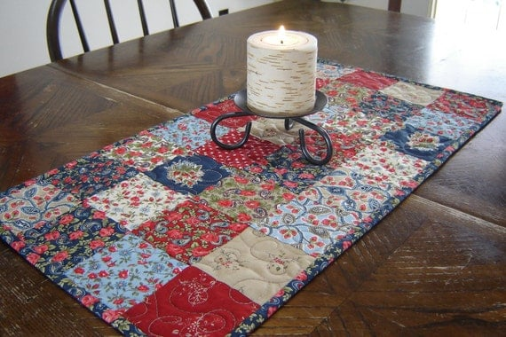 """Quilted Table Runner Patchwork Traditional (12"""" x 24"""")"""