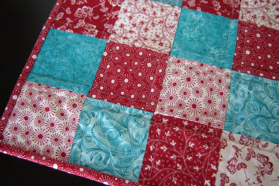 """Quilted Table Runner Red White Turquoise (12"""" x 24"""")"""