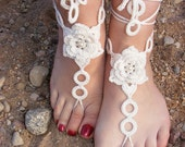 Barefoot sandals in ivory color with pearl beads
