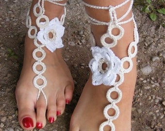 DREAMY ROSES    handmade beautiful barefoot sandals in white-beige-gold color with pearl beads (nr 30)