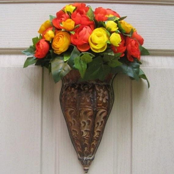 Front Door Wreath, Spring Wreath, Summer Wreath, Orange Wreath, Outdoor Wreath, Floral Door Decor, Orange Yellow Ranunculus Door Pocket