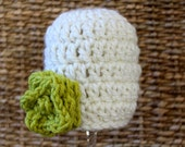 Crocheted CHUNKY Baby Flower Hat - Newborn 0 - 3 Months - Off White and Lime Green