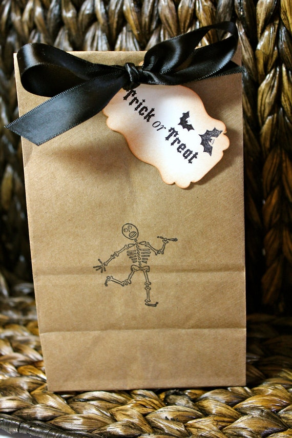 Halloween Kraft Favor / Candy Bags and Tags - Set of 5 - Four bag sizes available