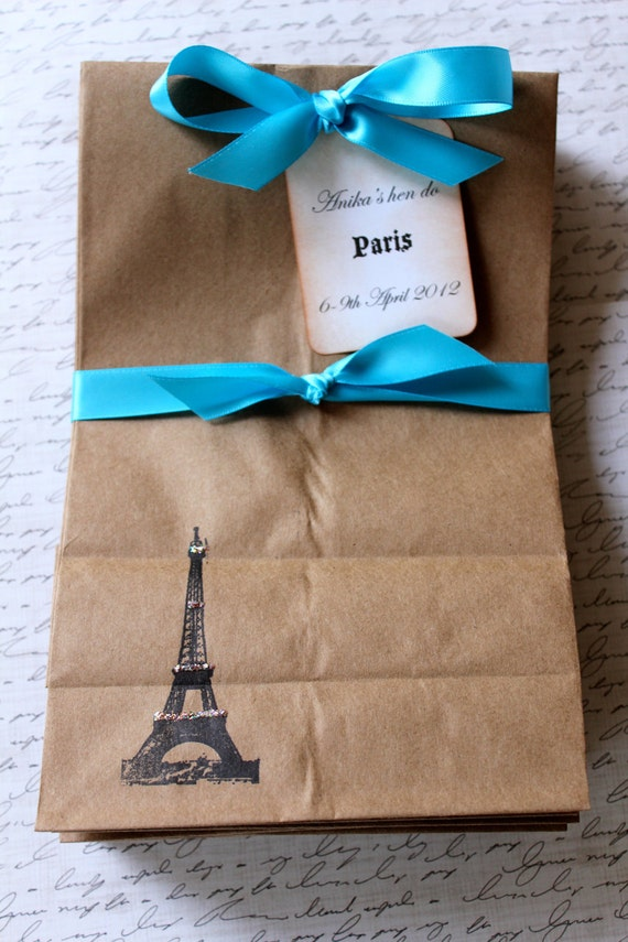 Personalized Kraft Favor Bags  -  Set of 10  - Eiffel Tower - Two Bag Sizes Available - You Choose Ribbon Color