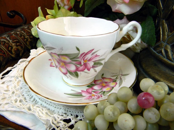 Footed Teacup Tea Cup and Saucer - English Castle Bone China 7975
