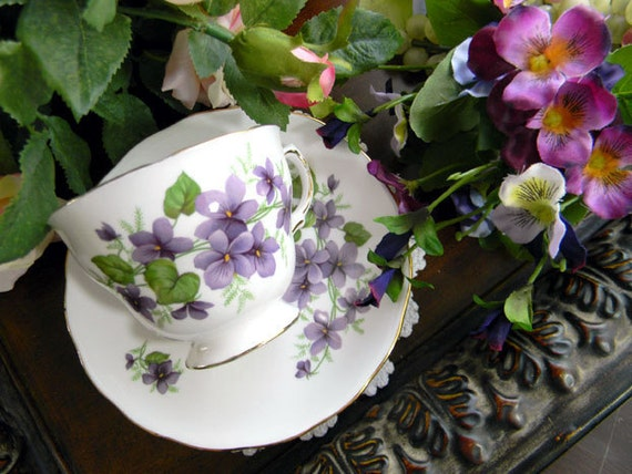 Royal Vale Footed China Teacup Tea Cup and Saucer 7642