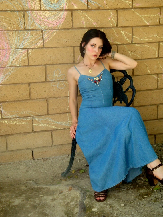 Vintage 80s sexy fitted Sweetheart Denim twirly full circle Maxi dress S Rosettes pearlies