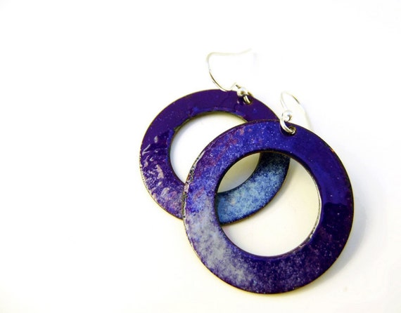 Enamel earrings midnight blue and light blue. Big circles by Alery