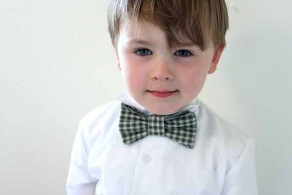 Dapper Dude Hipster Bow Tie. Green and Cream Vintage Plaid Checks. For the Boy. Ready to Ship in Size 4T/5T. Special Occasion or Everyday