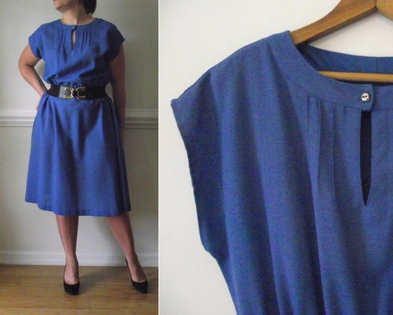 Summer House Dress / 1980s KeyholeTop / Blue Plus Size Vintage