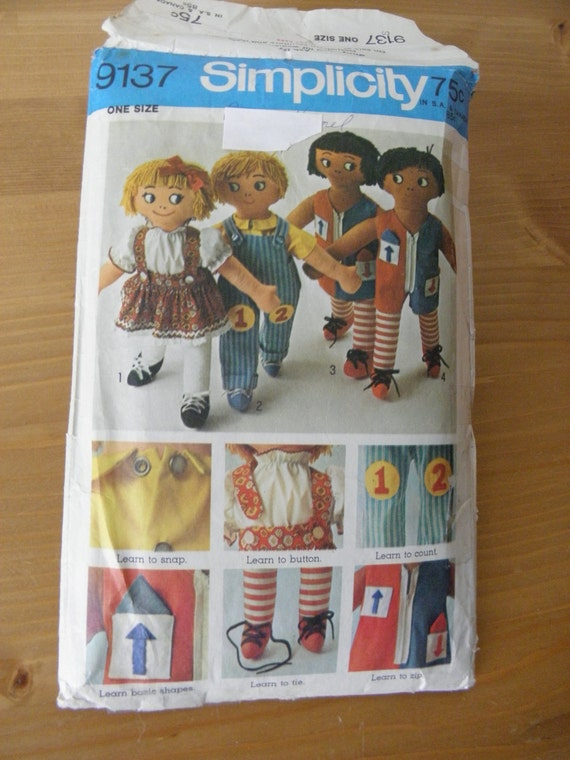 Sewing Pattern - RAG DOLLS and Clothes (LEARNING aids) Vintage 1970 Simplicity Pattern No. 9137
