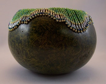 Green beaded mottled gourd bowl.1320.