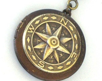 Steampunk - COMPASS LOCKET - Pendant - Necklace - Antique Brass - Neo Victorian - By GlazedBlackCherry