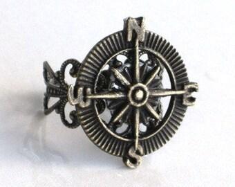 Steampunk - ADVENTURER COMPASS Ring - Antique Brass Bronze - Filigree Setting - Retro - Geekery - By GlazedBlackCherry