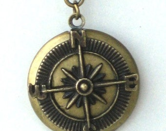 Steampunk - Brass COMPASS LOCKET - Pendant - Necklace - Antique Brass - Neo Victorian - By GlazedBlackCherry