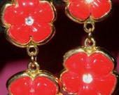 Vintage Dangling 1980's Lucite Flowers with Rhinestone Centers Earrings