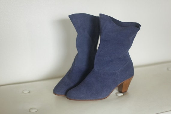 Blue Suede Vintage Booties // Blue Ankle Boots // Vintage Boots // Suede Boots - 7 - 7 1/2