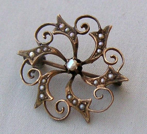 Antique Victorian 10K Gold and Seed Pearls Pin Brooch
