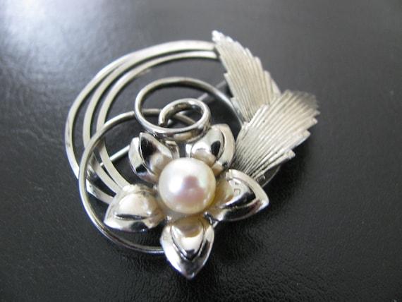 Vintage Brooch Silver Faux Pearl Flower Swirl Design