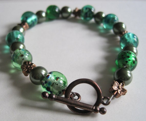 Green Glass and Faux Pearl Bracelet