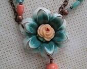 Vintage Cafe Flower Necklace