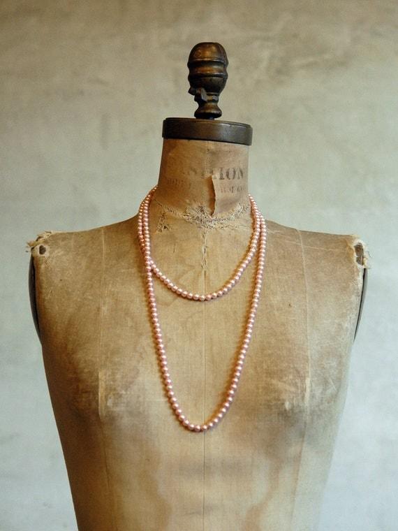 Flapper Necklace // Vintage Faux Pearl Strand