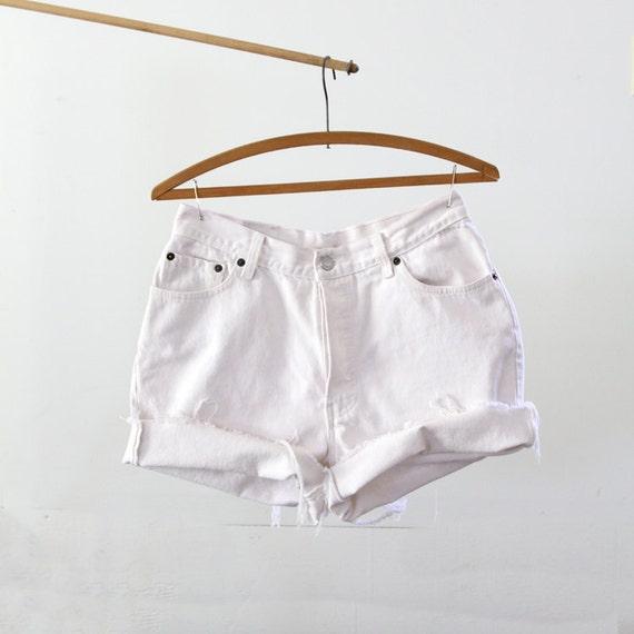 1980s Levis Cut Offs // White Jean Shorts // W 30