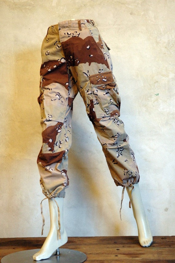 SALE:  1980s Camouflage Pants // Vintage Army Pants //  27 x 27