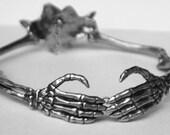 Eternal Love Skeleton Arm collar
