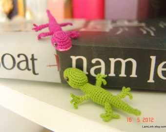 mini crochet lizard - dollhouse miniature stuffed animal